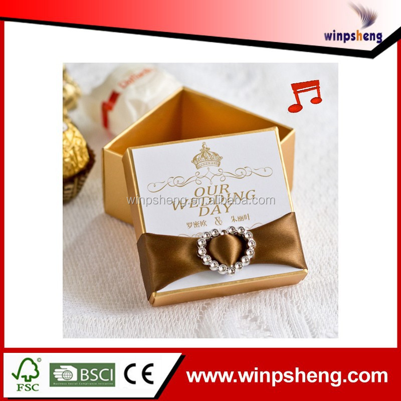 2014 new desing custom handmade small luxury romantic paper wedding favor box /wedding box with music