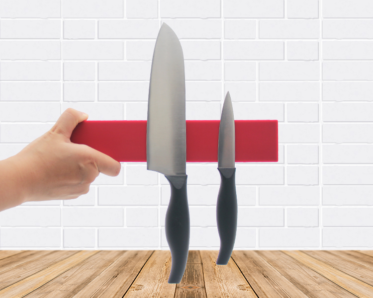 Best Selling Red Silicon Magnetic Knife Block / Holder / Strip / Bar / Rack with Strong Magnet Force