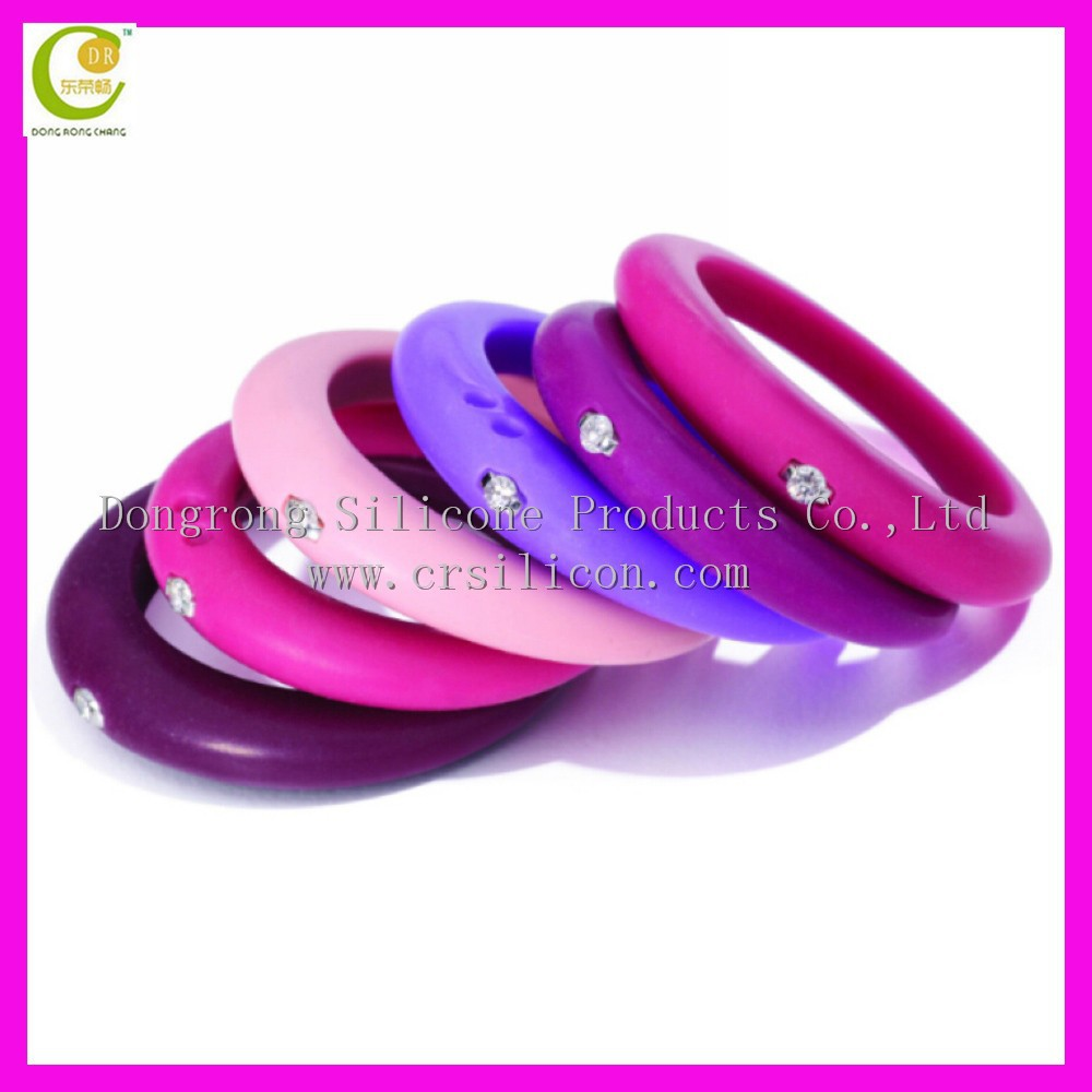 Wholesale Embossed Customized Colorful Silicone Wedding Ring With ...