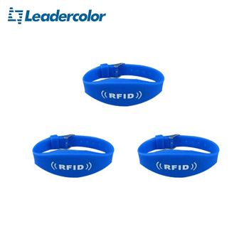 UHF passive rfid custom silicone wristband with 860~960Mhz ISO 18000-6C for school and hospital