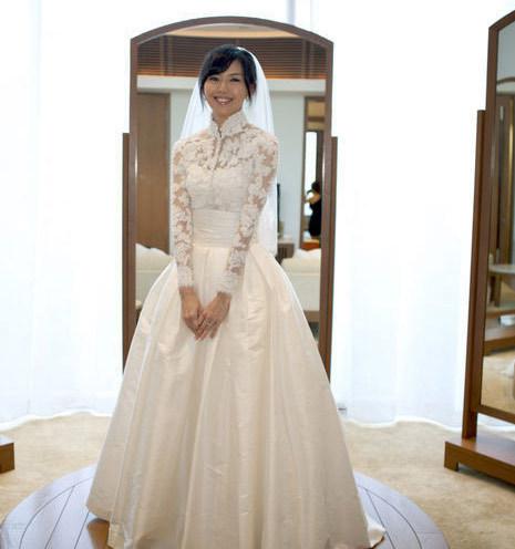 be807025976c5 free shipping new sexy romantic 2015 casamento lace vestido de noiva renda  Muslim long sleeve highneck wedding dress Bridal Gown