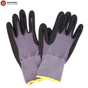 Darlingwell hot selling Microfine Foam Nitrile Dots coated safety gloves oil resistant gloves industrial work gloves EN388 China