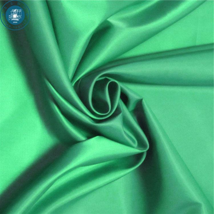 c0c5b18844b3 Naturale amichevole tessuto taffetà di Poliestere con stampa del fiore di  modo per il rivenditore