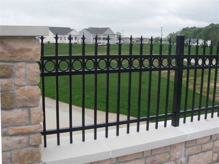 1.2-1.8m Powder Coated & Hot Dipped Galvanized Iron Fence