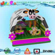 barn theme inflatable jumping bouncer, jumping castle bed for toddler with cow roof cover