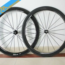 New arrival road bike 700C carbon fiber clincher wheels, cheap bicycle wheels chinese carbon road bike wheels for sale