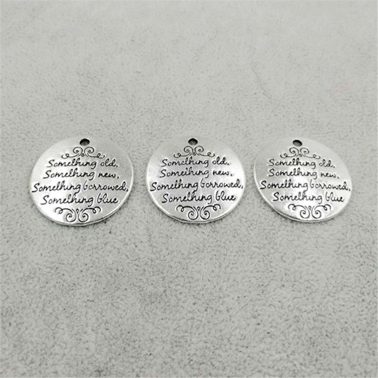 Wholesale custom letter engraving zinc alloy round <strong>charm</strong> and pendants