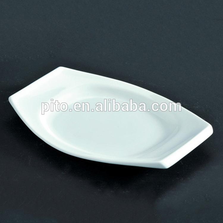 High quality boat shaped ceramic porcelain dessert plate