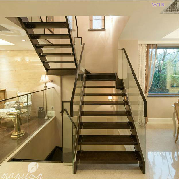 Mansi n interior escalera de madera en forma de u con for Escaleras en u
