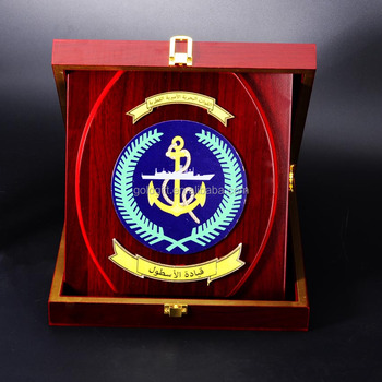 Souvenir Wooden Shield Service Plaques Wooden Awards Shield