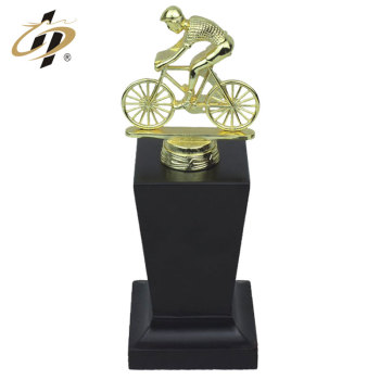 Wholesale custom sports award metal trophies made in China
