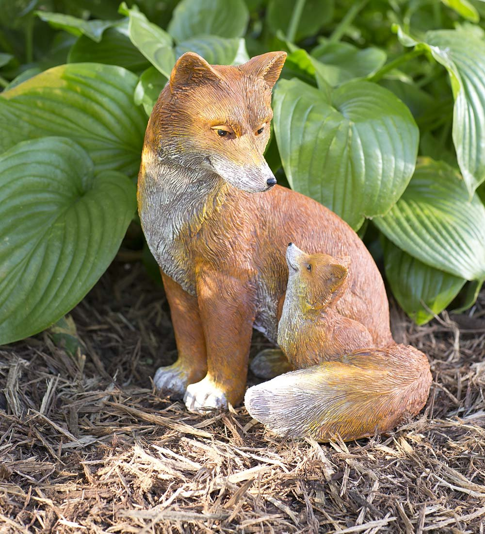Wind & Weather Fox Mother and Baby Outdoor Garden Sculpture Detailed Resin Statue Decor Animal Yard Art 9 L x 9 W x 12.5 H