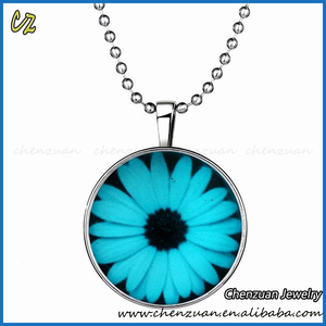 Online shop Glow Pendant Necklaces Jewelry Time gems Daisy glass cabochons Luminous Necklace