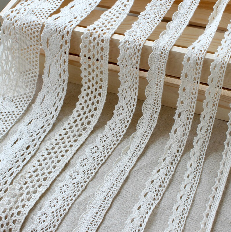 ฟรีตัวอย่างสีขาวขอบ Guipure Lace Trim ผ้าฝ้ายเย็บปักถักร้อยลูกไม้ Trim สำหรับชุดขอบ