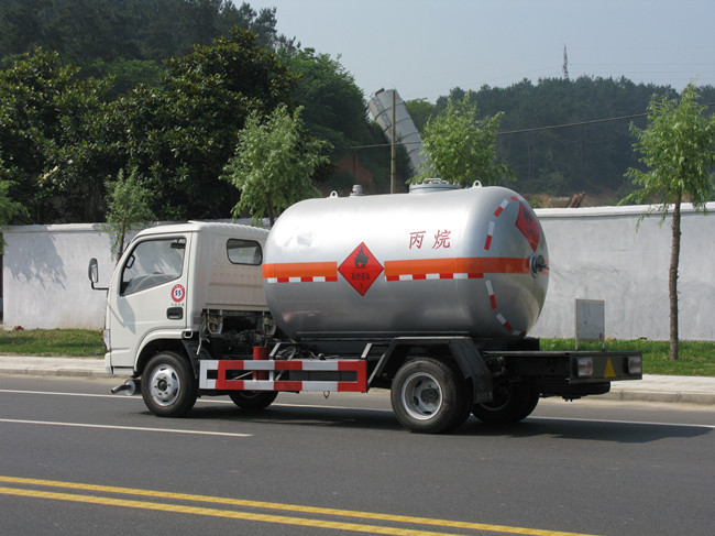 Small mobile lpg gas tank truck prices, lpg gas tank truck for sale