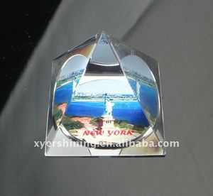 Delicate Pyramid Crystal Paperweight for Office Supplies