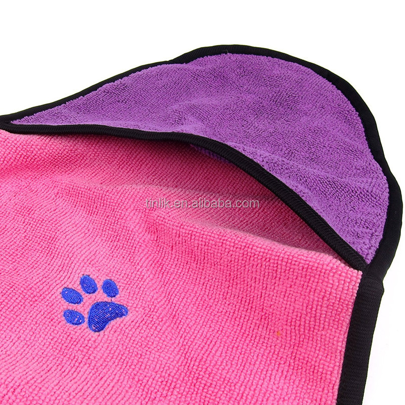 300gsm Quick Dry High Absorbent Antibacterial Embroidered Cats Dogs Washing Bath Towel Microfiber Pet Drying Towel With Hanger