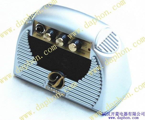 wuhan music instrument 3W Mini Guitar Amplifier with 6F22 battery