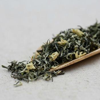 benefici del te verde al gelsomino