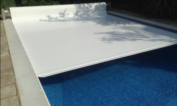 Diy Custom Made Automatic Pool Safety Covers Cut Heating Cost