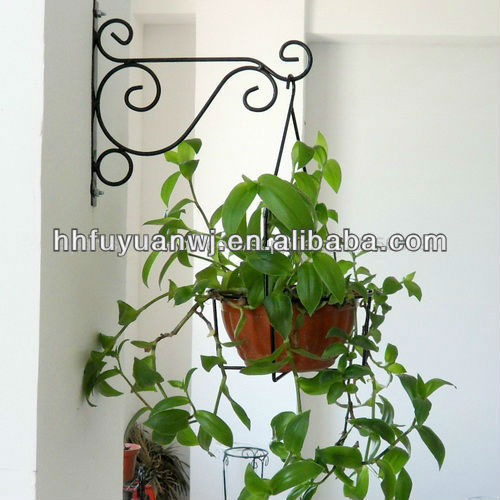 Galvanizwd and powder coated black metal garden hanging flower basket used in garden with cheap price