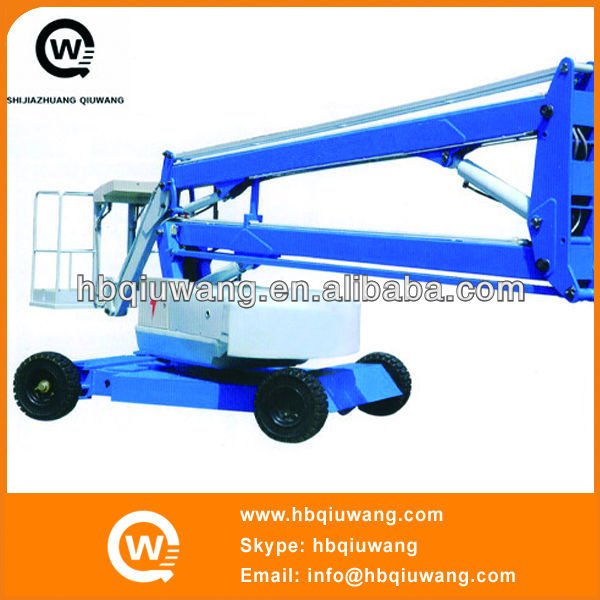 Self propelled articulated boom lift for solar street lights