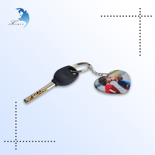 Factory supplier good price plastic prints custom made keychain with good quality