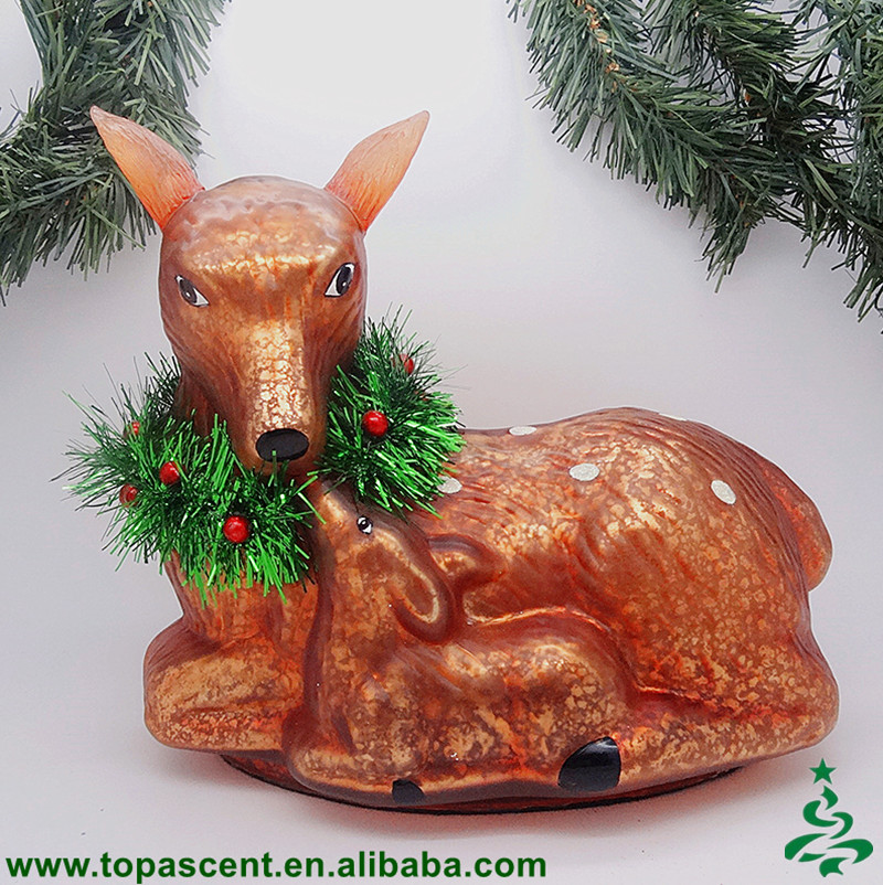 Handmade glass mother-baby deer wearing x'mas garland table piece with crack/broken silver effect ornament for table decoration