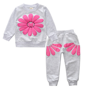 Wholesale Colorful Fashion Lovely Girl Casual Outfit Baby Clothes Set with Flower