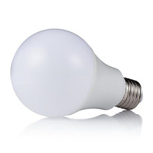 <span class=keywords><strong>LED</strong></span> slimme <span class=keywords><strong>lamp</strong></span> <span class=keywords><strong>Kleur</strong></span> veranderende <span class=keywords><strong>led</strong></span> licht e27 afstandsbediening <span class=keywords><strong>draadloze</strong></span> rgb 8 w <span class=keywords><strong>lamp</strong></span>