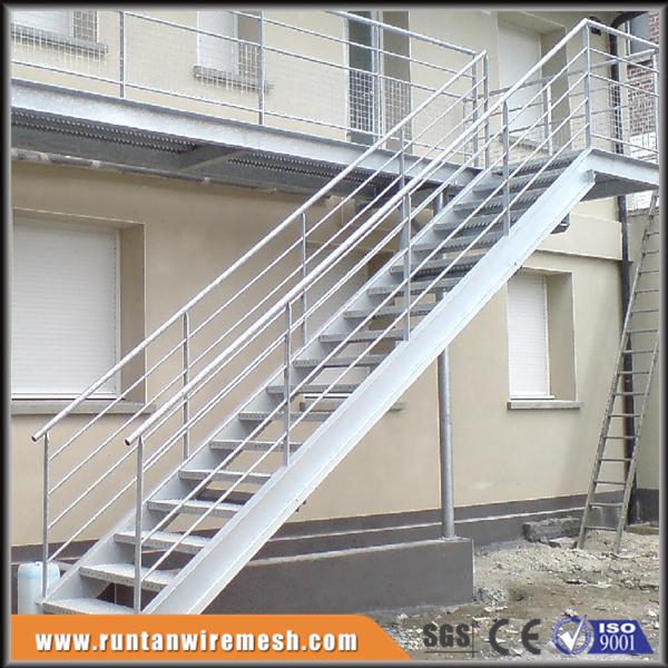 Hierro residencial al aire caliente de acero galvanizado for Escalera exterior de acero galvanizado precio