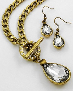 WLNE-5276-1Antique Gold Tone Clear Glass Toggle Closure Necklace Set