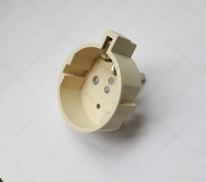 Grounding schuko adapter socket Provide ground for German and France plugs