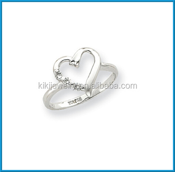 Fashion Highly Polished White Gold Thin Band Diamond Hollow Heart