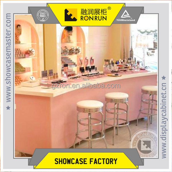 New year lovely style factory price display showcase and cosmetic retail store display fixture
