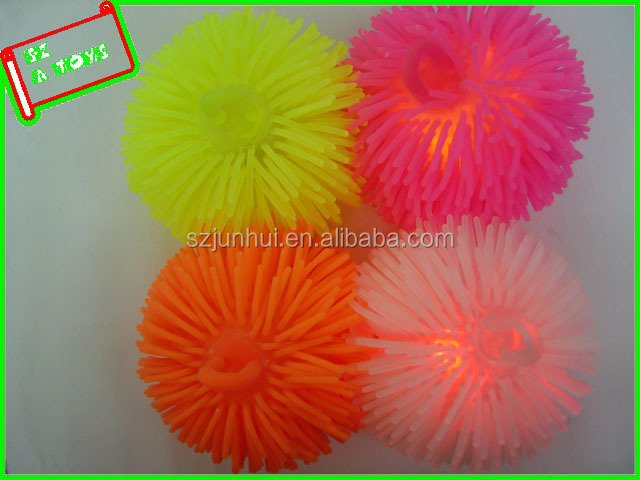 summer toy squeeze lighted pom pom ball
