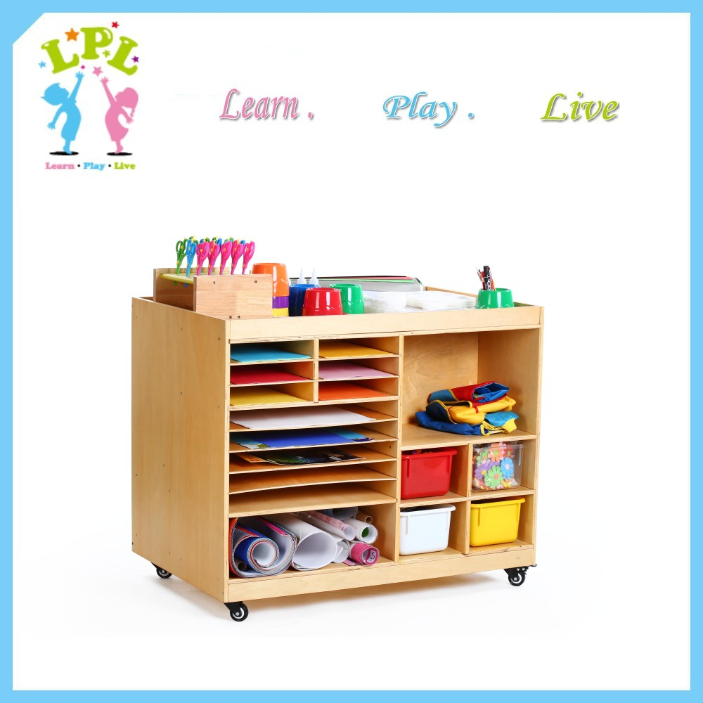 Wholesale hot sale poplular movable double-sided used wooden nursery school furniture