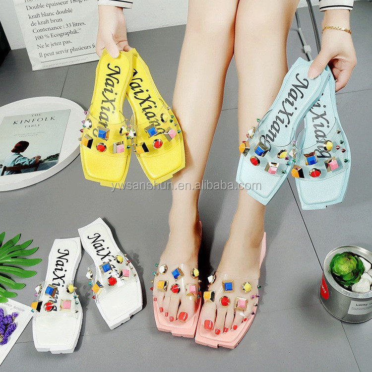 Personalized Design Wholesale Cheap Indoor Outdoor Slippers with Shining Pearl
