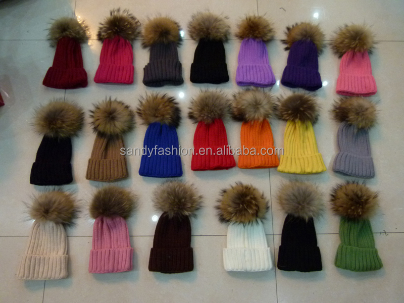 Hot Selling Wholesale 18cm Colorful Raccoon Fur Pom pom Balls Keychain for Hats/Bags/Accessories/Christmas Decoration