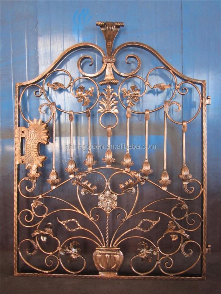 Simple portes d 39 entr e en fer forg porte du jardin for Porte jardin fer