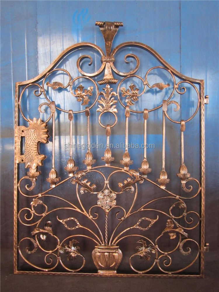 Simple portes d 39 entr e en fer forg porte du jardin for Porte de jardin en fer forge
