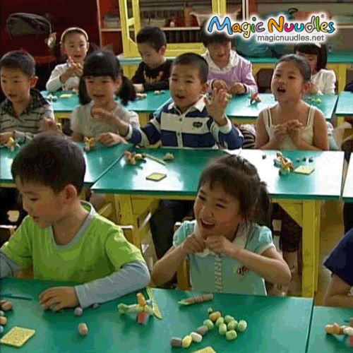Popular Color Box Toys DIY Handicrafted Toy Gifts Magic Nuudles ASTM F963-11,EN71,ASTM 6400