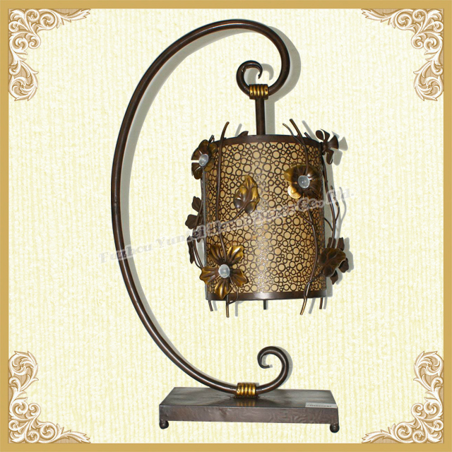 Newest table lamp flower themed Roman table lamp
