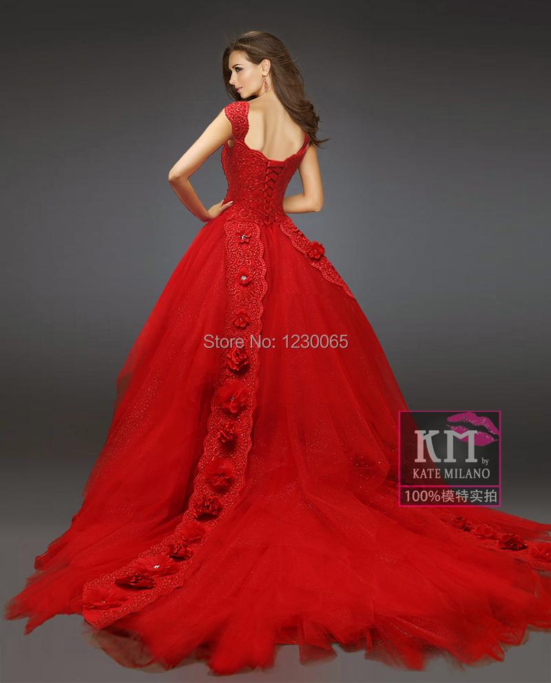 great blog robe robe de mariee dentelle rouge. Black Bedroom Furniture Sets. Home Design Ideas