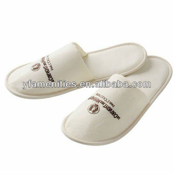 5 Star High Quality Personalized hotel guest bedroom slippers for hotel