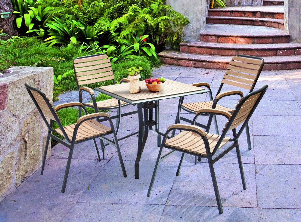Outdoor furniture swimming pool dining table designs for for Poolside table and chairs