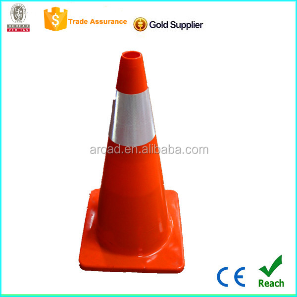 hot sell red white plastic chain mould chain traffic cone