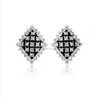 Old fashion crystal earring! Wholesale white crystal old fashion crystal earring