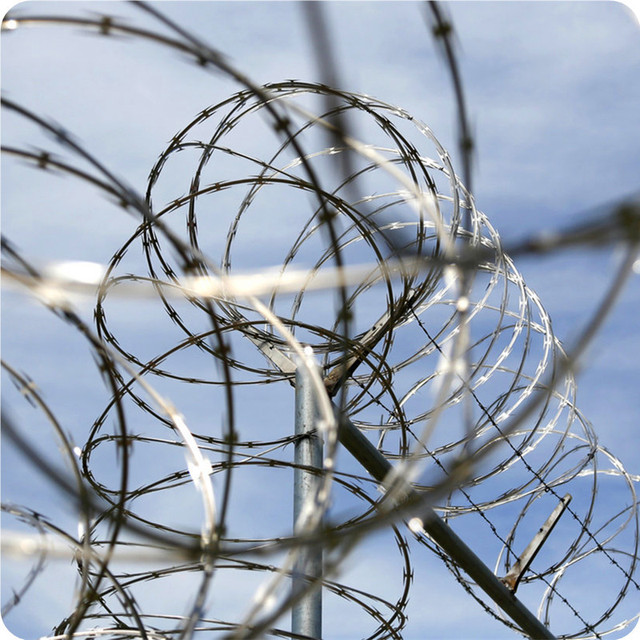 Buy Cheap China razor wire barbed type Products, Find China razor ...