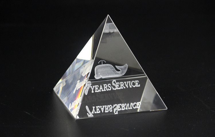 Wholesale high quality blank K9 Crystal glass crystal pyramid/Crystal Cube Pyramid paperweight for 3d laser engraving